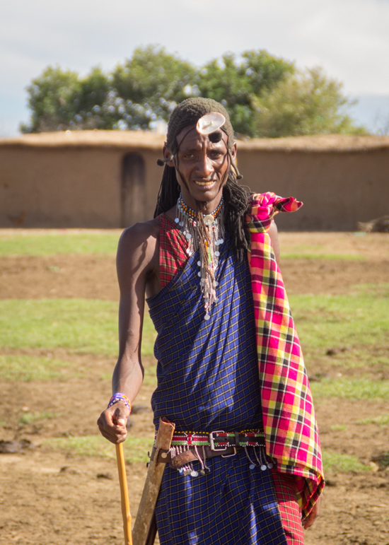 Masai en aldea junto a Masai Mara