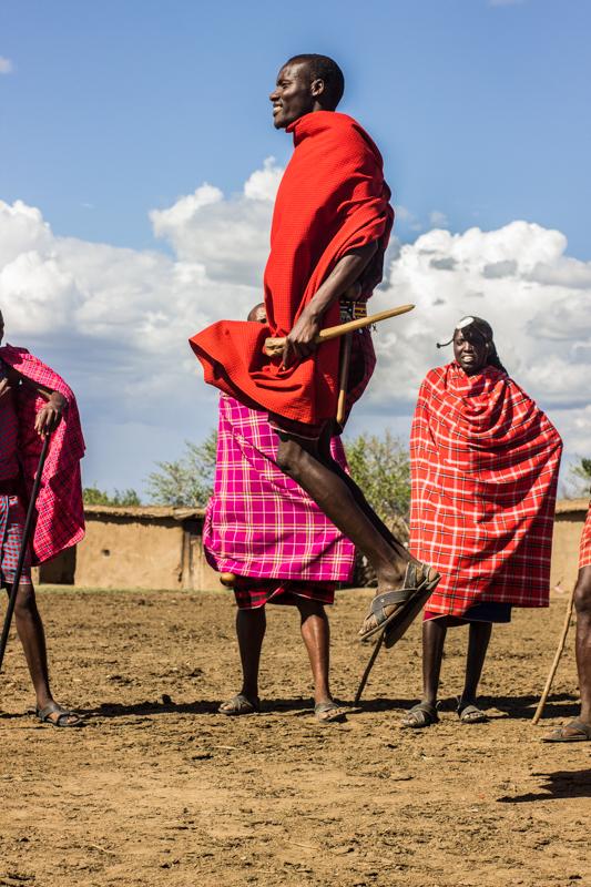 Masai saltando en Masai mara